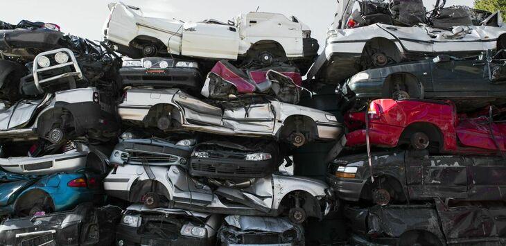 Bilvraking på Miljøtorg Vikan