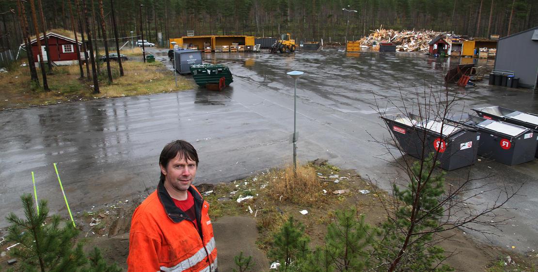 Plassjef John Arve Lien på Miljøtorg Vensmoen i Saltdal.